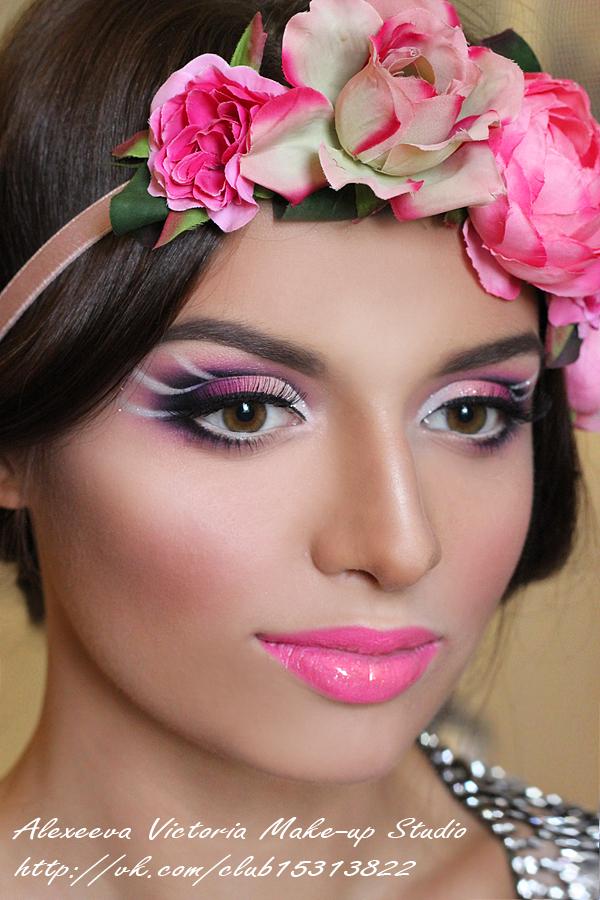 Фото макияжа с разъемом