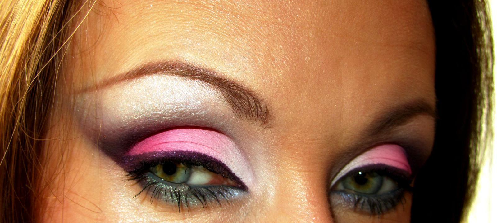 Яркий макияж!!!