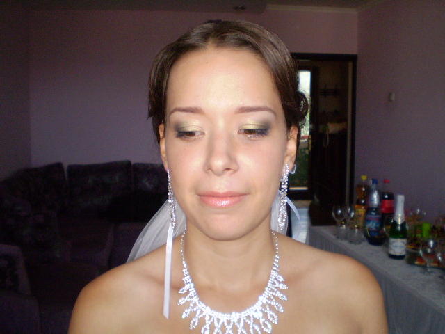 Самый первый свадебный макияж