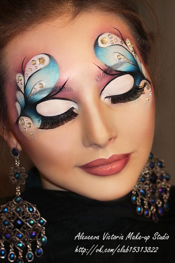 фантазийный макияж в карандашной технике
