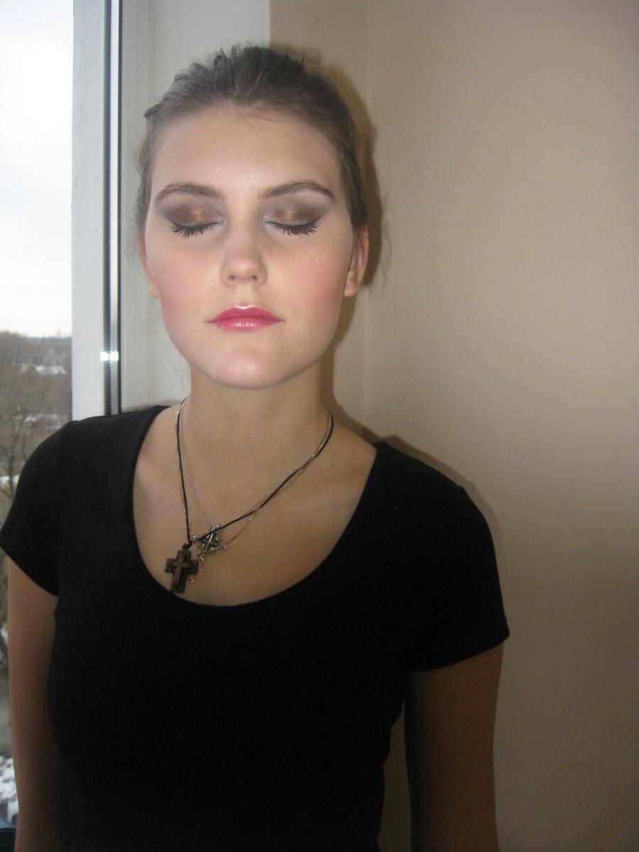 прическа и макияж