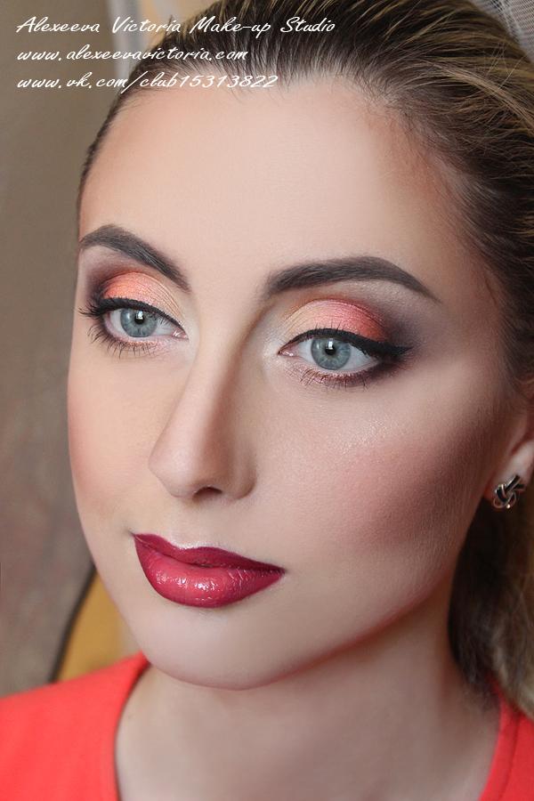классический макияж в теневой технике, стрелки